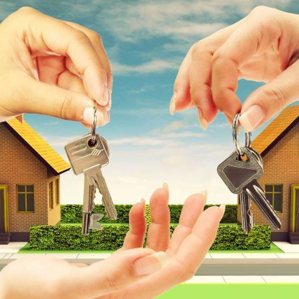 Buying and selling homes Essay Examples