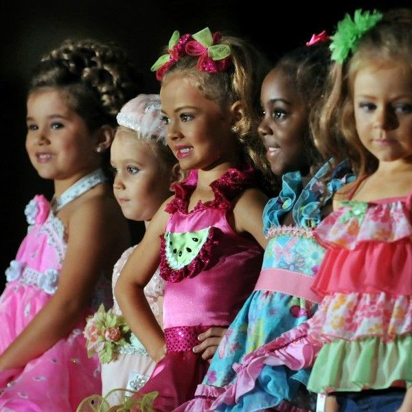 Child Beauty Pageants Essay Examples