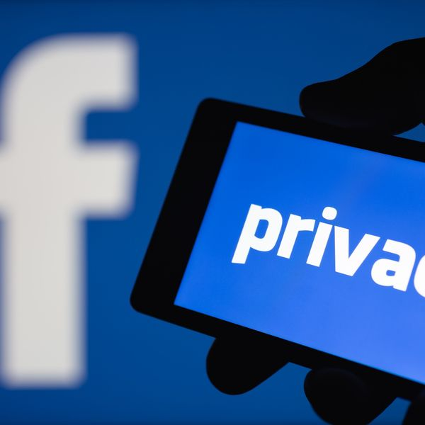 Facebook Privacy Essay Examples