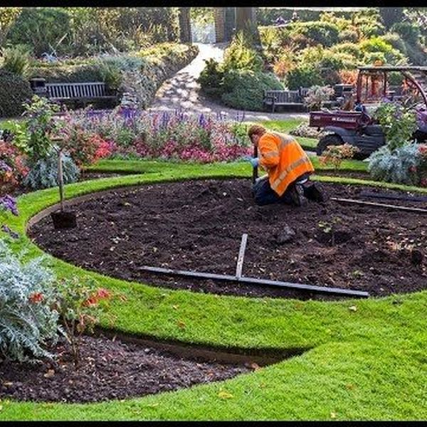 Gardening and landscaping Essay Examples