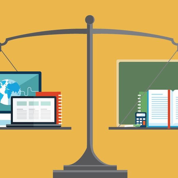 Online Education Vs Traditional Education Essay Examples