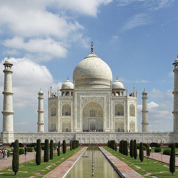Taj Mahal Essay Examples